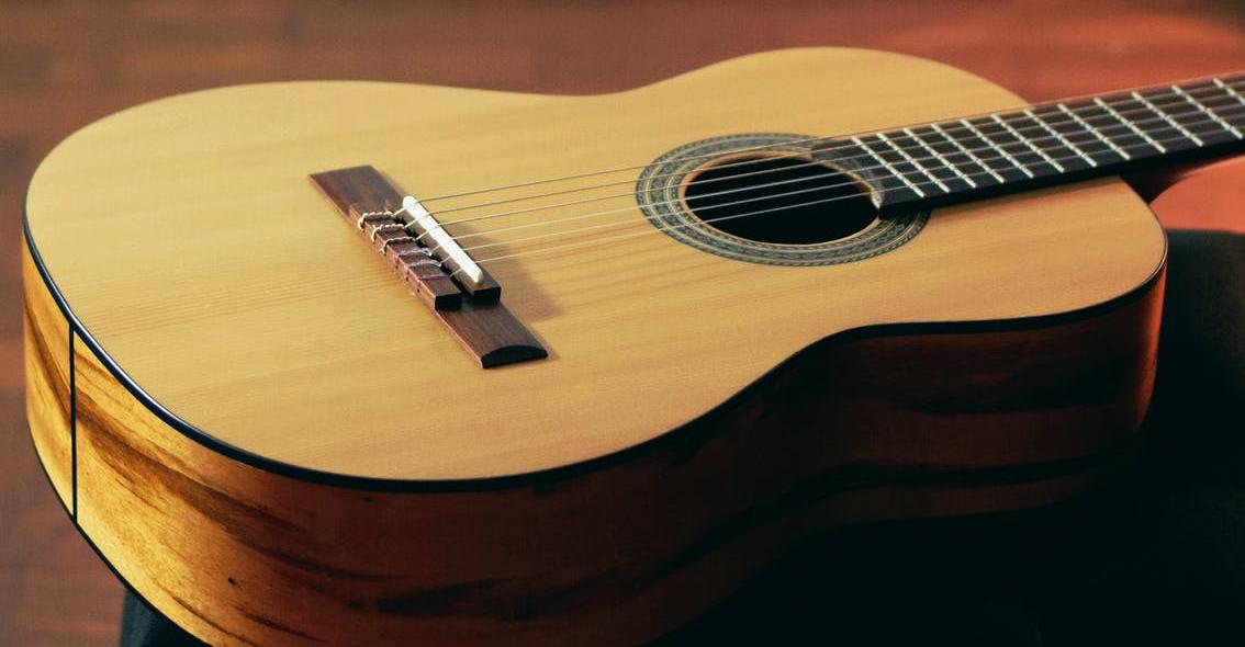 Welke gitaar kopen voor muziekschool?