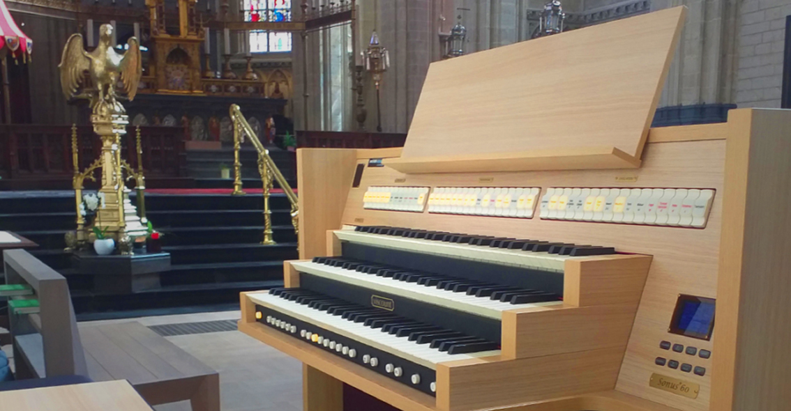 Viscount Sonus 60 in de Basiliek van Halle