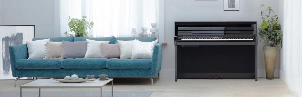 CLP-700 Polished ebony huiskamer